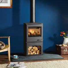 The Midline is another stylish balanced flue gas stove in the popular CL range. The midline is perfect for customers who are looking for a stove which adds presence to a room, whether free standing or placed in a inglenook the midline with Gas Log Burner, Wood Burner, Gas Stove Fireplace, Boiler Stoves, Barn Apartment, Open Plan Kitchen Living Room, Interior Concept, Interior Ideas, Electric Fires