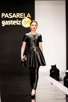 Pasarela GasteizOn, Marzo 2013. Goth, Stars, Fashion, March, Walkway, Spring Summer, Feminine, Gothic, Moda