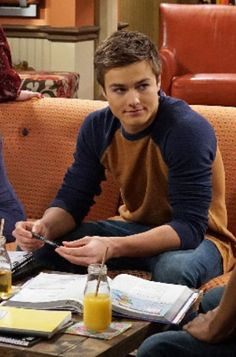 Peyton Meyer, Girl Meets World, Tumblr Boys, Lotr, Cute Guys, Movie Stars, Band Outfits, Handsome, Happiness