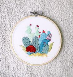 Handmade piece of contemporary embroidery. Cris Latorre.