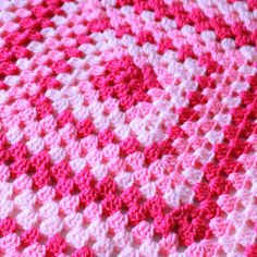 It's back to basics with this weeks Free Pattern Friday – today I will be sh. : It's back to basics with this weeks Free Pattern Friday – today I will be showing you how to make your own Basic Granny Square Blanket! Granny Square Crochet Pattern, Afghan Crochet Patterns, Crochet Granny, Baby Blanket Crochet, Knitting Patterns Free, Free Pattern, Crochet Baby, Crochet Blocks, Crochet Cushions