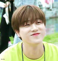The cutest lil baby ever Chanwoo Ikon, Kim Hanbin, Bobby, Taehyung, Ikon Member, Yg Entertaiment, Ikon Kpop, Ikon Wallpaper, I Luv U