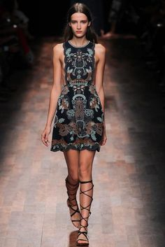 Valentino Spring 2015 Ready-to-Wear Fashion Show: Runway Review - Style.com