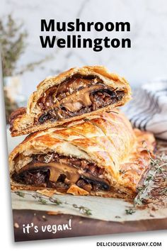 This mushroom wellington make for an incredible vegetarian and vegan main dish. Savory portobello mushrooms are wrapped in a flaky golden puff pastry. This meatless roast is perfect for the holidays, a dinner party, or an everyday meal. Vegetarian Main Dishes, Vegetarian Recipes Dinner, Vegan Dishes, Vegetarian Mushroom Recipes, Vegan Vegetarian, Vegetarian Recipes Puff Pastry, Vegetarian Thanksgiving Main Dish, Vegetarian Christmas Recipes, Vegetarian Starters