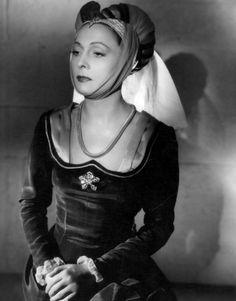 """Costume of the French movie """"Les visiteurs du soir""""  ( Marcel Carné, 1942)"""