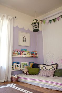 Natalie's Sleeping, Reading, Playing Nest - love the wall of paper she can color on Big Girl Bedrooms, Little Girl Rooms, Girls Bedroom, Kids Room Paint, Room Paint Colors, Room Ideias, Montessori Bedroom, Toddler Rooms, Kids Rooms