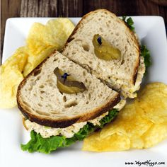 Print Recipe Jump to RecipeLooking for a healthy & hearty sandwich recipe? This Vegan Tuna Salad Sandwich is satisfying, nutritious and out-of-this-world delicious! It's back-to-school time for most kiddos and…