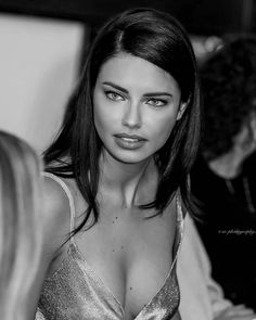Adriana Lima on Eating Healthy While Traveling and Wearing Makeup at the Gym – Celebrities Woman Adriana Lima Victoria Secret, Victoria Secret Fashion, Victoria Secret Angels, Top Models, Alessandra Ambrosio, Brazilian Models, Pretty Face, Pretty People, Pretty Woman