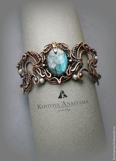 "Wire Wrap Copper Bracelet | Браслет wire wrap ""Unicorn"" из меди с лабрадоритом — работа дня на Ярмарке Мастеров"