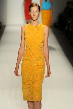 Simple yet loud dress; love the scrunch!