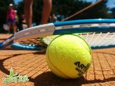 #stage #tennis #sport #enfant Sur terre battue, nos entraîneurs Sport'été attendent les jeunes sportifs de 12 à 17 ans pour des vacances inédites !