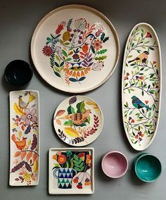 DIY No Bake Sharpie Art Bowls 12 a better finishing secret for DIY beautiful Anthropologie style designs on ceramic bowls or mugs. Ceramic Plates, Ceramic Pottery, Pottery Art, Decorative Plates, Pottery Studio, Painted Pottery, Blue Pottery, Pottery Plates, Pottery Painting Designs