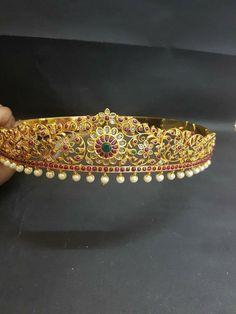 No idea about origin. Baby Jewelry, Kids Jewelry, Wedding Jewelry, India Jewelry, Temple Jewellery, Indian Jewellery Design, Jewelry Design, Vaddanam Designs, Arm Bracelets