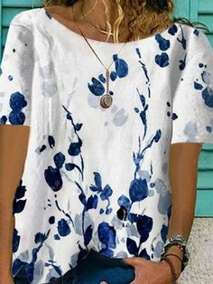 Vintage Shorts, Short Sleeve Blouse, Short Sleeve Dresses, Blouses For Women, T Shirts For Women, Shirt Bluse, Loose Shorts, Fashion Tips For Women, Blouse Styles