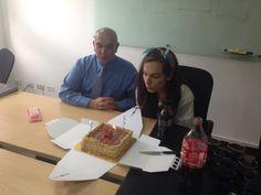 Feliz cumpleaños para nuestra #gerente de #marketing y #comunicaciones #29años. Y nuestro #ceo #manuelguerreroamaya