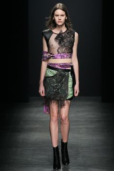 http://www.vogue.com/fashion-shows/fall-2015-ready-to-wear/ter-et-bantine/slideshow/collection