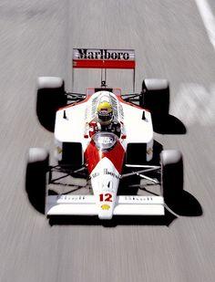 Ayrton Senna, McLaren-Honda 1988 - https://www.luxury.guugles.com/ayrton-senna-mclaren-honda-1988/
