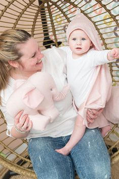 Baby's Only Bathcape soft Sparkle Available colors: gold-ivory, silver-pink, silver-grey Babys Only, Hoods, Car Seats, Sparkle, Blanket, Grey, Pink, Collection, Ivory