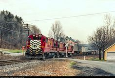 LV 503 Lehigh Valley GE at Laurys Station, Pennsylvania by Doug Lilly Iron Mountain, Train Engines, Lehigh Valley, Landscape Wallpaper, Train Car, General Electric, The Good Old Days, Locomotive, Trains