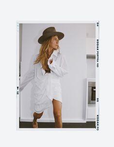Women S Over 50 Fashion Styles 2015 Overlays Instagram, Instagram Background, Instagram Frame Template, Cute Patterns Wallpaper, Curvy Fashion, Fashion Hats, 50 Fashion, Fashion Styles, Polaroid Frame
