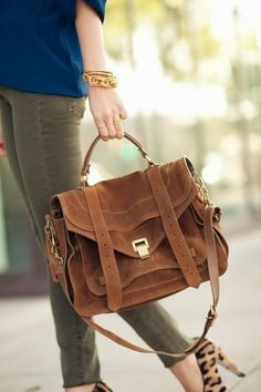 Brown Soft Leather Handbag With Leopard Pumps