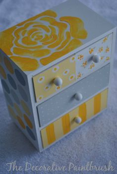 Painted Jewelry Box Personalized Gift Flower por TheDecorativeBrush, $26.00