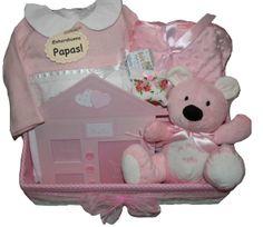 www.lacestitadelbebe.es Una cucada de cesta con ropita de la marca Chocolat Baby Precio rebajado!! antes 83.95 € ahora  a la venta por 75,55 €!!