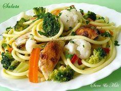 Spaghete cu pui, broccoli, conopida, in sos de vin