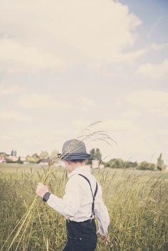#photographie #famille #couple #enfant #nature #retro #vintage #manon #debeurme #photographe Photo Couple, Couple Photos, Manon, Cowboy Hats, Robin, Couples, Wallpaper, Nature, Vintage