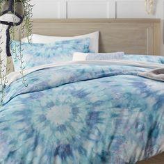 Girls Bedroom Ideas Using Blue Tie Dye Bedding Girls