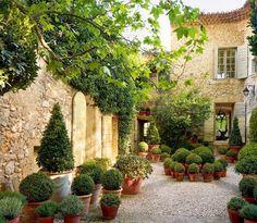 "2,153 Likes, 26 Comments - Emmelien Drieman-Hoevelaken (@passie_voor_wonen) on Instagram: ""Bonne soirée!..#inspiration #homeinspiration #landelijk #gardeninspiration #provence…"""