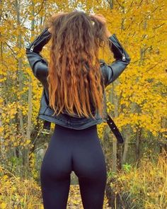 Mädchen In Leggings, Mode Rock, Tumbrl Girls, Sexy Jeans, Girls Jeans, Mannequins, Sexy Outfits, Gorgeous Women, Female Fitness