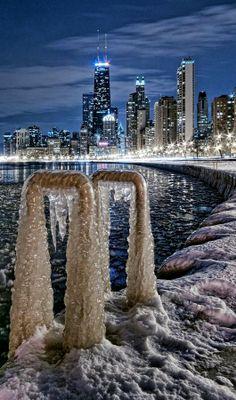 Frozen Chicago... (by WilsonAxpe / Scott Wilson)