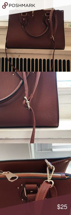 Oversized Cross-Body Satchel An oversized faux leather camel colored satchel with golden hardware. Comes with Detachable cross body strap and a purse lock and key. Brand New & never used!! dasein Bags Satchels