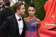 Die 5 coolsten Outfits von Robert Pattinson & FKA twigs