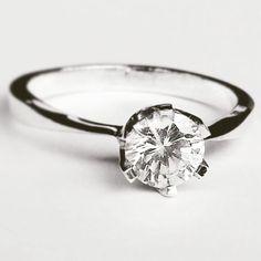 Are you in love? #angelicamardhdesign #inlove #inlovewithhim #inlovewithher #förälskad #kärlek #bröllop #vigselring #förlovningsring #engagementring #weddingrings #gorgeous #underbar