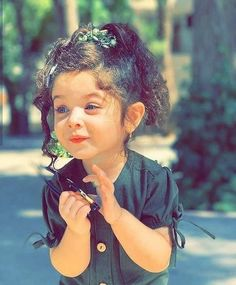 Girls DP: 100+ Unique Girls DP for WhatsApp, Insta & Fb 2021 - Girls DP Cute Baby Girl Images, Cool Girl Pictures, Cute Girl Photo, Cute Girls, Cute Kids Photography, Girl Photography Poses, Girls Dp For Whatsapp, Blonde Girl Selfie, Beautiful Girl Photo