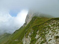 Weg zum Leiterlipass, Nünenen / Gantrisch Half Dome, Mountains, Nature, Travel, Voyage, Viajes, Traveling, The Great Outdoors, Trips