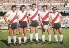 Delantera 1975 : Pedro Gonzalez,J.J.Lopez,Carlos Morete,Norberto Alonso y Oscar Mas