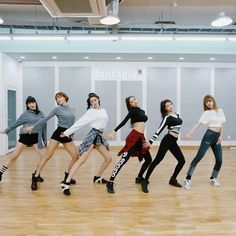 this song and choreography are so good -  hello venus - mysterious - - - - #kpop #girlgroup #girlgroups #gg #hellovenus #헬로비너스 #mysterious #yooyoung #leeyooyoung #lime #nara #alice #seoyoung #yeoreum #여름 #앨리스 #나라 #라임 #유영 #서영 #여름 #dancepractice #twice #blackpink #gfriend #redvelvet