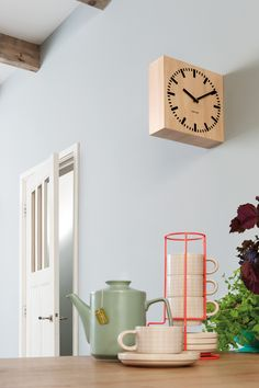Come and take a look in our home. This is our pt, kitchen with a new double sided Karlsson clock.