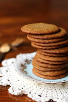 I used to hate thin cookies. I thought that they were the worst thing in the baking world. Don't judge me… I can hear the gasps all over the internet now! Cooking Cookies, Cookie Desserts, Cookie Recipes, Dessert Recipes, Healthy Desserts, Cookie Thins Recipe, Cookie Crisp, Brown Sugar Cookies, Cookie Brownie Bars