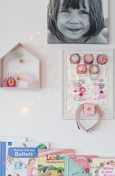 DIY storage for hair clips, hair ties and hair bands with fruit dwarf yogurt cups aufbewahrung garten kleidung kosmetik wohnen it yourself clothes it yourself home decor it yourself projects Diy Accessoires, Yogurt Cups, Organic Fruit, Diy Storage, Face Wash, Diy For Kids, Gallery Wall, Diys, Frame