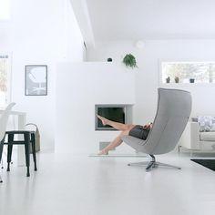 The new chair ❤ #myhome #interior #chair #sisustus #koti #home #house #livingroom #whiteinterior #fridayinspiration #fredaginspo