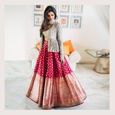 When you have Banarasi silk lehenga, you don't need too much else! And these latest Banarasi lehenga designs are going to prove just that! Yep, if you are a fan of Banarasi as much as we are, then get. Lehenga Anarkali, Banarasi Lehenga, Lehnga Dress, Jacket Lehenga, Pink Lehenga, Brocade Lehenga, Bridal Lehenga, Indowestern Lehenga, Rajasthani Lehenga