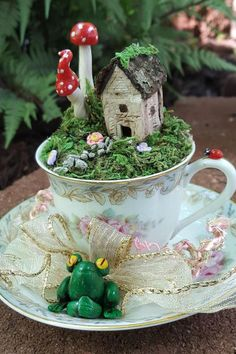 31 Beautiful Tea Cup Fairy Garden Design Ideas - Exciting tea party themes can add a fun twist to a traditional idea and thrill the special young lady in your life. Little girls spend countless hours. Fairy Garden Plants, Fairy Gardens, Fairies Garden, Flowers Garden, Tea Party Theme, Party Themes, Princess Tea Party, Types Of Roses, Beautiful Fairies