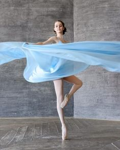 Daria Chenikova is talented dance photographer and artist currently based in Moscow, Russia.