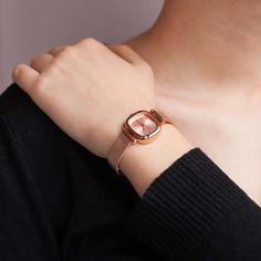 30dc58a21817 Reloj fino de mujer de color oro rosa - Komono - Ocarat Outfits Coreanos