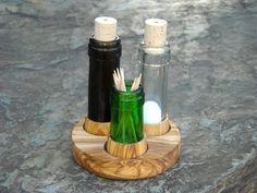 Set Salz & Pfeffer recycelte Flaschen + Olivenholz von Alentejoazul auf…