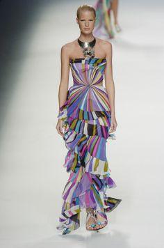 Emilio Pucci at Milan Fashion Week Spring 2005 60s Mod Fashion, 2000s Fashion, Runway Fashion, Milan Fashion, Womens Fashion, Emilo Pucci, Italian Fashion Designers, Feminine Dress, Vintage Looks